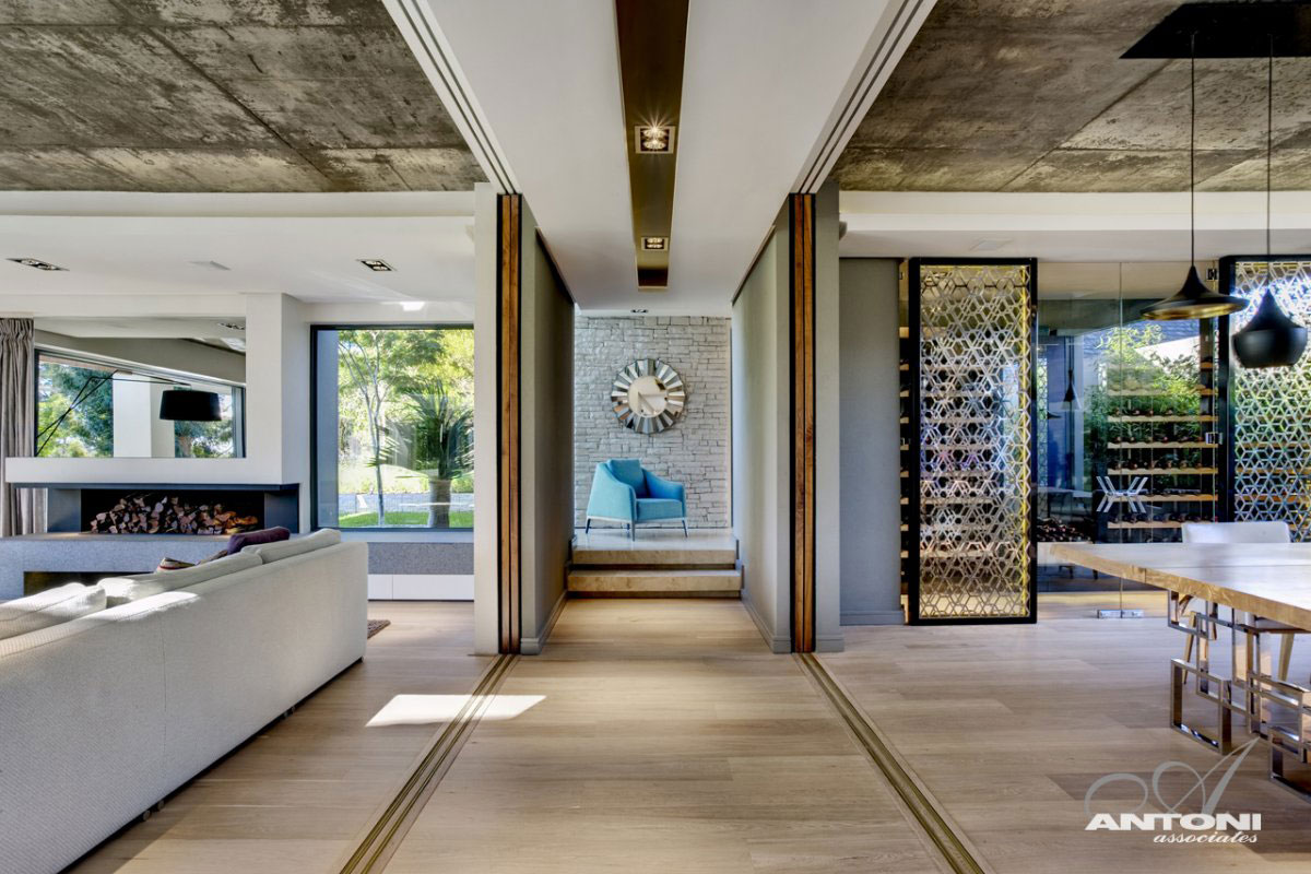    Pearl Valley 276   Antoni Associates